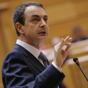 Duelo de gladiadores en el Senado. Zapatero ataca duramente la hipocresía de los populares.