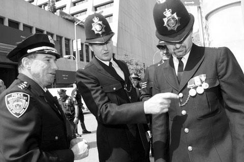 Graham Knight, un policía jubilado mano derecha de Hernández Mateo «made in England»
