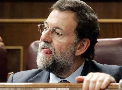 La homosexualidad de Rajoy. A Dios rogando y con el mazo dando.