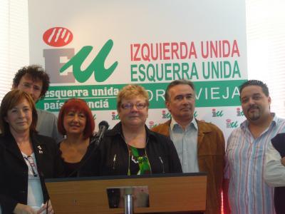 Marga Sanz visita Torrevieja con motivo de la inauguración de la nueva sede de IU en la localidad.